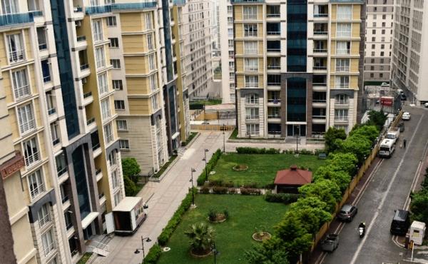 شقة للبيع مؤثثة بموقع حيوي بمنطقة اسنيورت